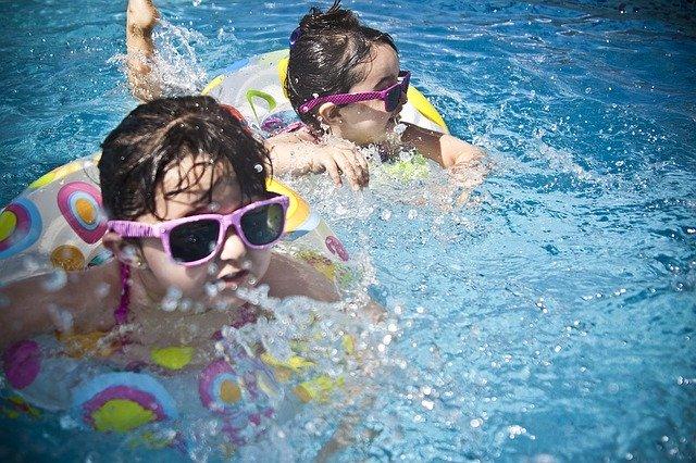 equipamiento para piscinas necesario